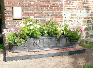 Diamond Jubilee Planter